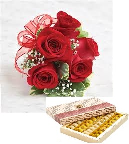 4 roses with 250 grams mix sweets