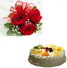 1 Kg fresh fruit Cake 3 roses