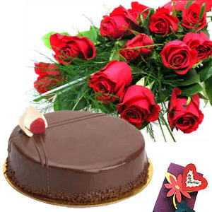 8 Red Roses with 1/2 kg chocolate cake