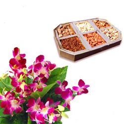 6 Orchids 250 grams Gift Box of Assorted Dryfruits