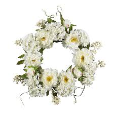 Small wreath of 15 white flowers