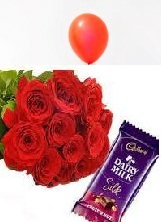 6 red Rose bouquet 1 Balloon 1 Silk chocolate