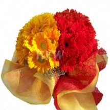 6 Red and 6 Yellow Gerberas bouquet