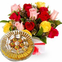Half Kg Sweets and 6 Roses Basket