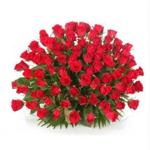 50 red Roses Center Table Arrangement