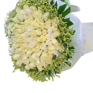 30 White Roses bouquet