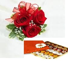 1/2 Kg Assorted Sweets with 3 roses
