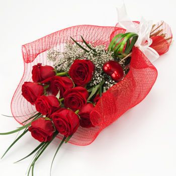 6 red roses (Available in Bangalore only)